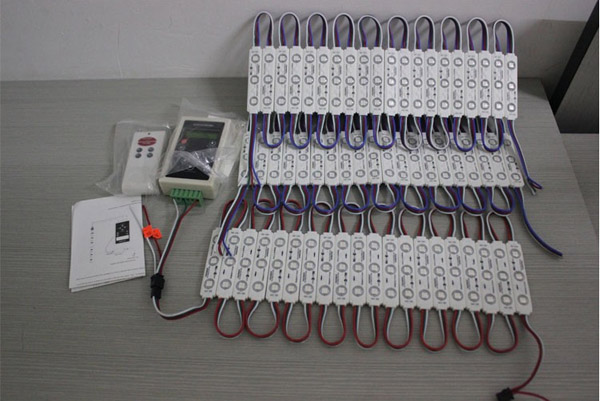 detail of IP65 SMD 5050 Magic Digital injection LED Module lights with controller