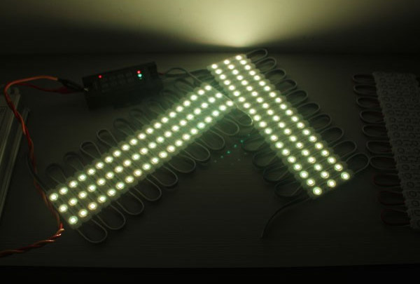 detail of IP65 Waterproof SMD 5050 Samsung chipset RGB led modules with lens2