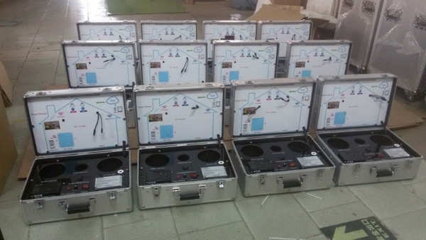 produce of Portable Aluminum LED Display Case with Basic Lamp Socket